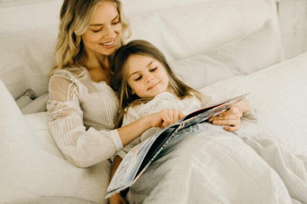 czytanie dziecku przed snem